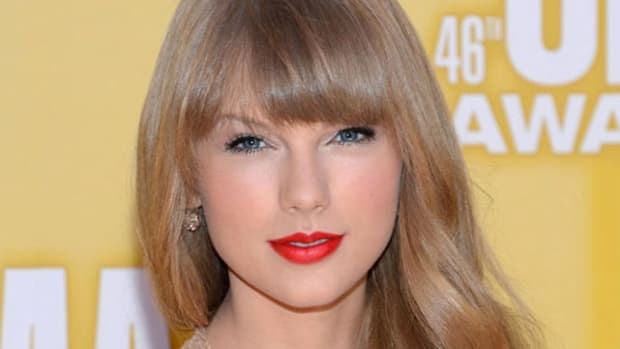 Taylor Swift - CMA Awards 2012