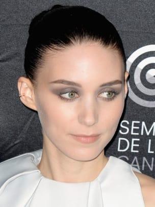 Rooney-Mara-Aint-Them-Bodies-Saints-photocall-Cannes-2013