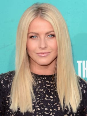 Julianne-Hough-MTV-Movie-Awards-2012-383x510