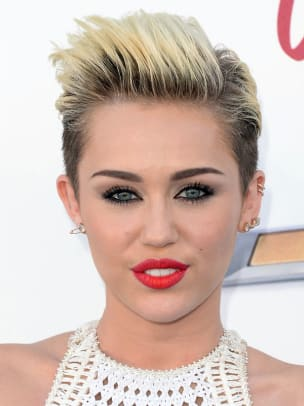 Miley-Cyrus-Billboard-Music-Awards-2013