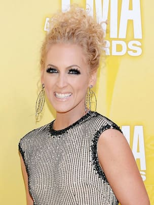 Kimberly-Schlapman-CMA-Awards-2012