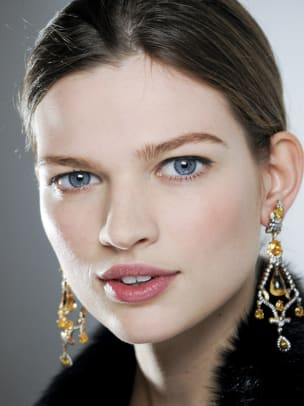 Ralph-Lauren-Fall-2012-beauty
