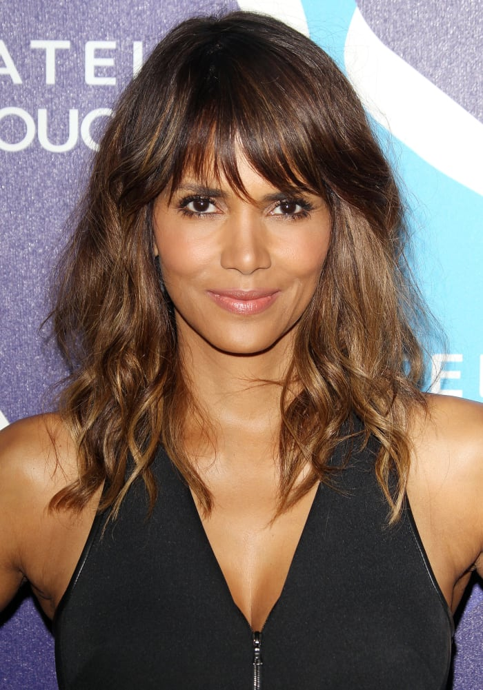 15 of the Best Hairstyles for Medium-Length Wavy Hair - The Skincare Edit
