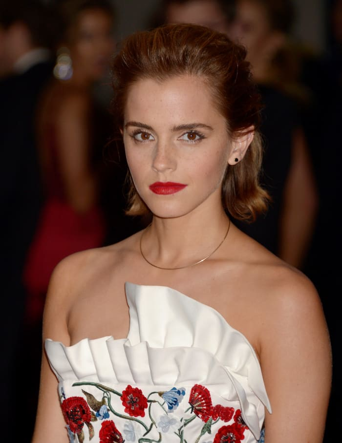 Pale Lips vs. Red Lips: Vote for your Fave Celebrity Look Now!