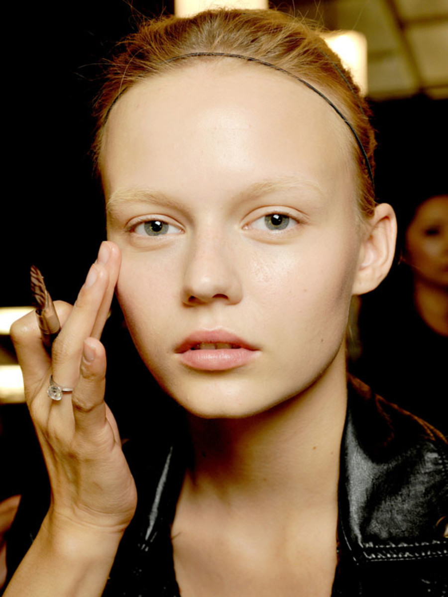 7 Foundation Mistakes You Re Probably Making The Skincare Edit