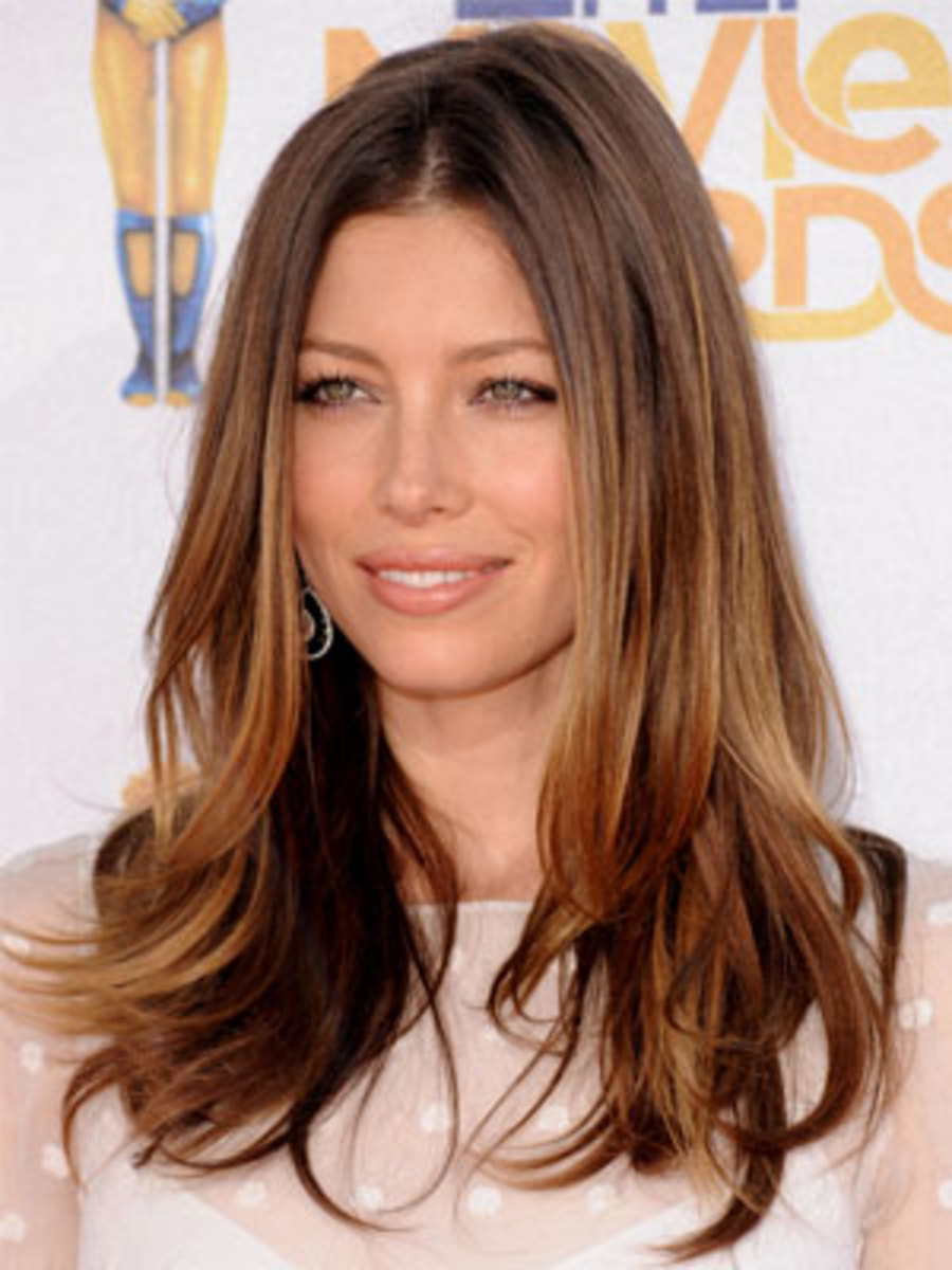 The Celebrity Secret To Adding Tone On Tone Dimension In Brown Hair The Skincare Edit