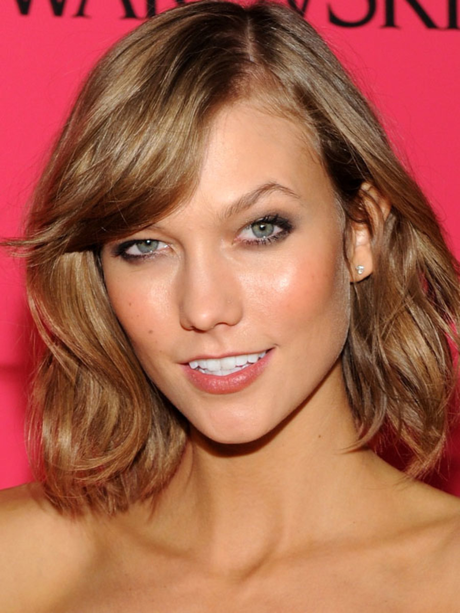 How To Add Highlights To Light Brown Hair At Home The Skincare Edit