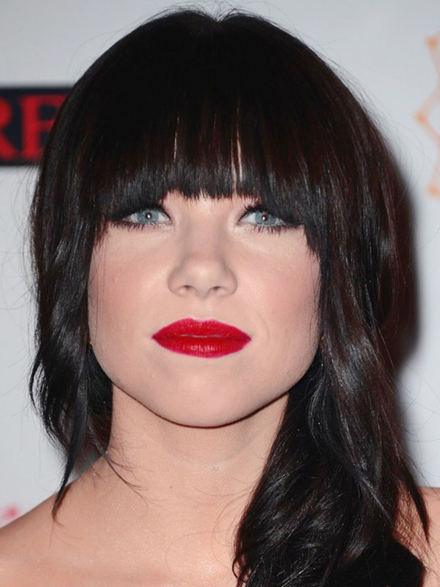 Tremendous The Best And Worst Bangs For Oval Faces The Skincare Edit Natural Hairstyles Runnerswayorg