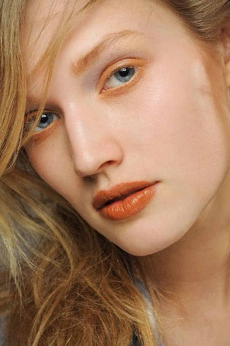 Orangey Eyelids Are Officially A Thing The Skincare Edit