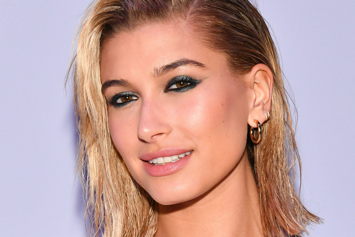 ccbaf476e7d4 Noticed how Hailey Baldwin has been a red carpet regular lately? Well, by  popular request, it's time we explored her beauty transformation with a  Before ...