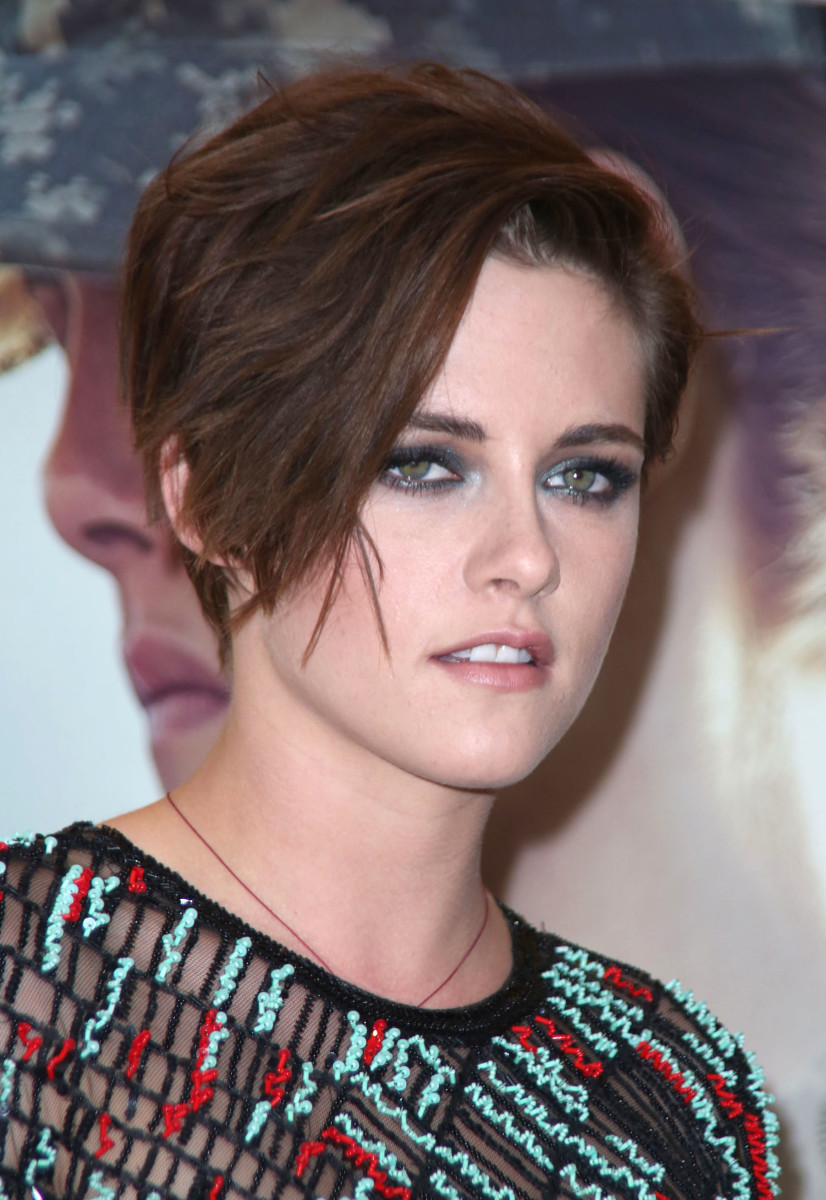Kristen Stewart Has A New Short Haircut And The Most Amazing Smoky Eyes The Skincare Edit