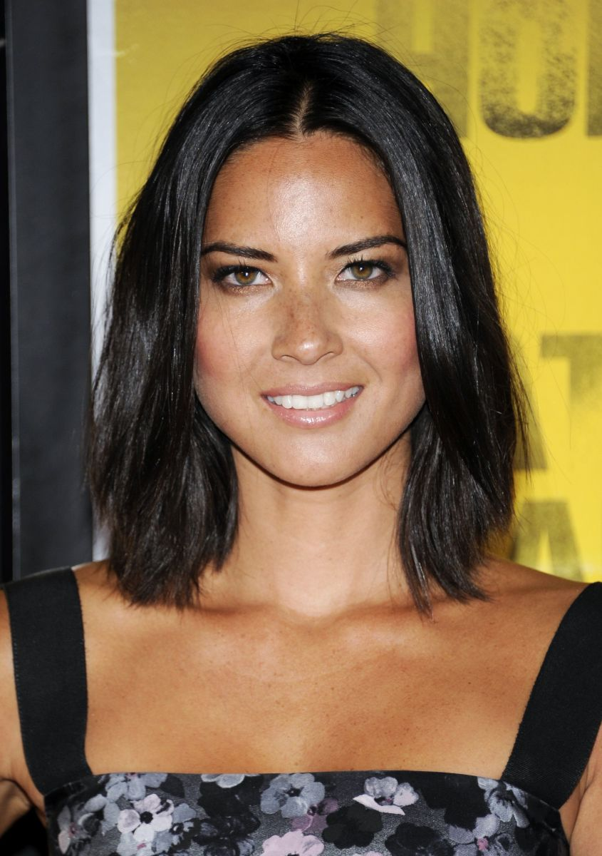 15 Of The Best Hairstyles For Medium Length Straight Hair The