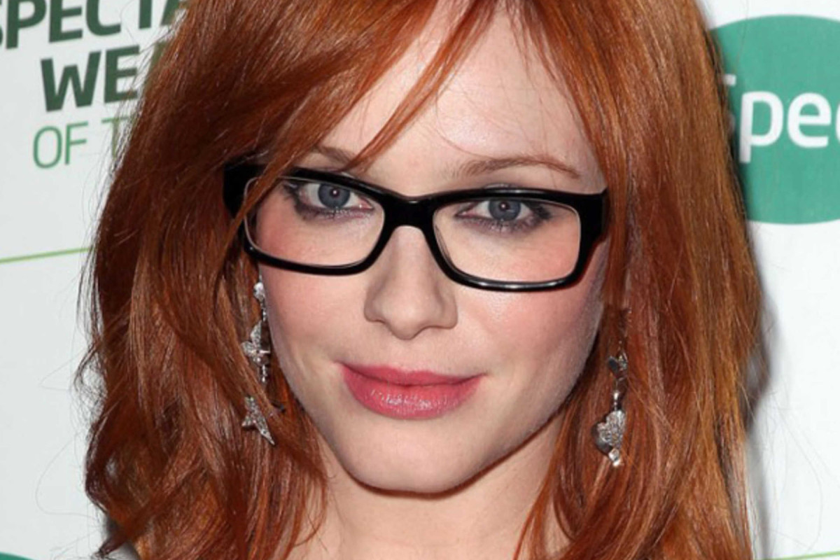 the best hairstyles to wear with glasses - the skincare edit
