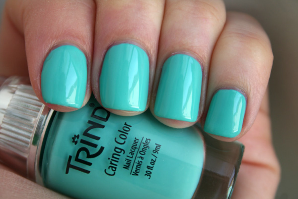 After trying Burst My Bubble, I expected the worst from Mint Julep, this minty-blue shade. But it wasn't nearly as bad, which is why I'm hopeful I just got ...
