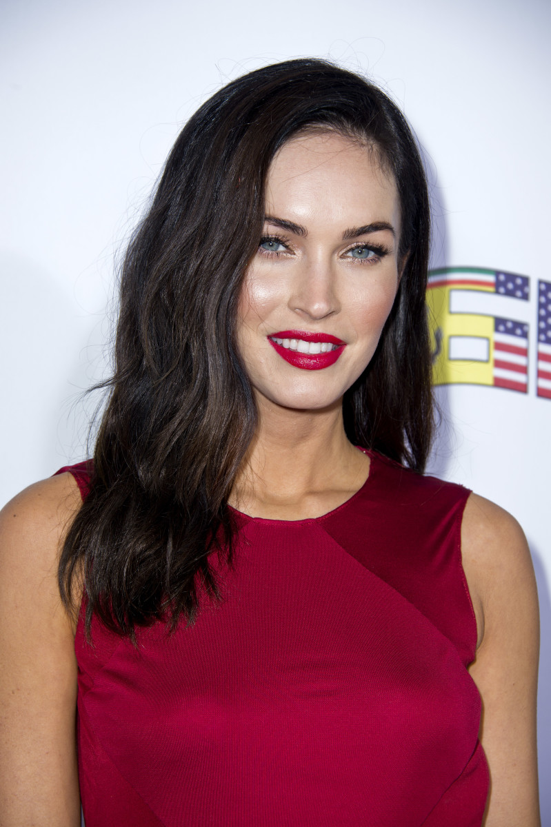 Can You Wear Red Lips With A Dress Megan Fox Did