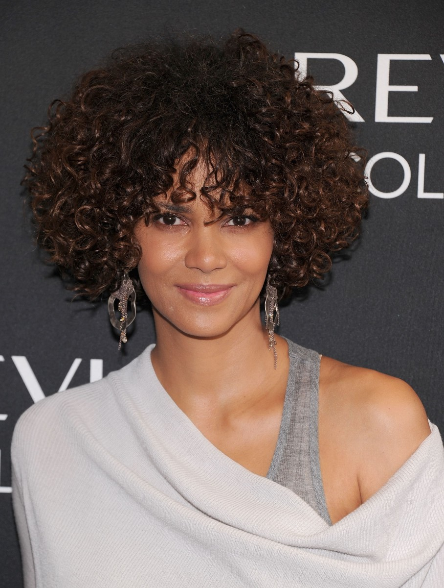 15 Of The Best Hairstyles For Medium Length Curly Hair The Skincare Edit