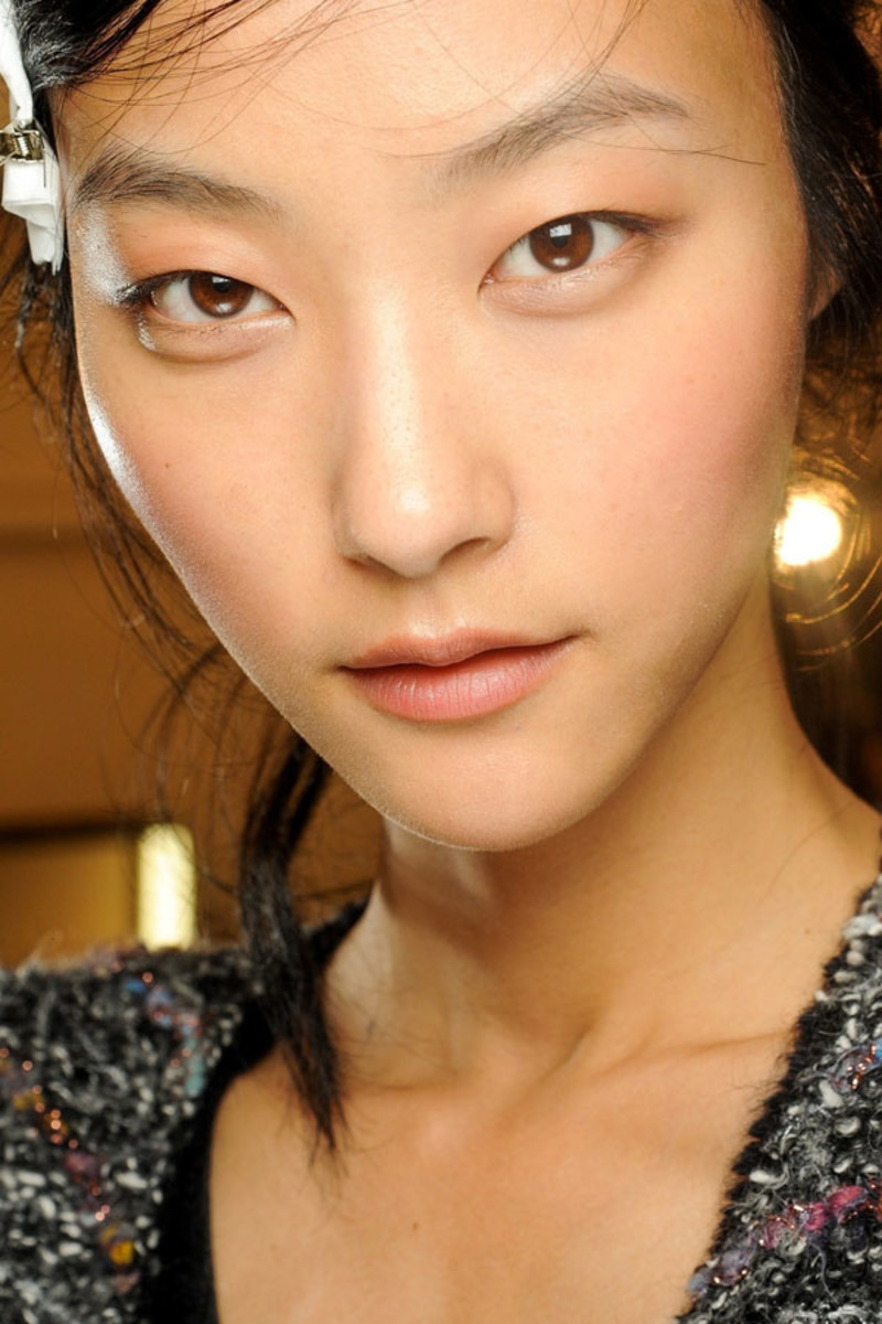 How To Blend Your Makeup Like A Pro The Skincare Edit