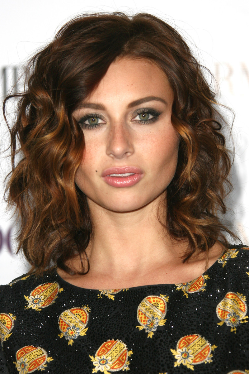 The Best Cuts For Fine Frizzy Wavy Hair The Skincare Edit