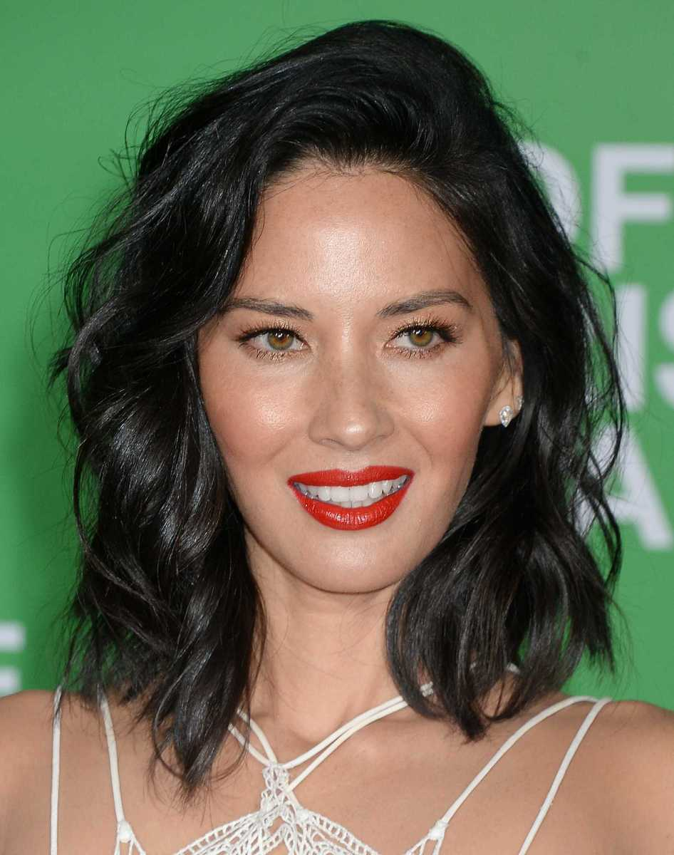 Https 2016 12 31 Makeup Hair Skincare Routine Rivera Lipstick 27 Fancy Primrose Olivia Munn Office Christmas Party Premiere