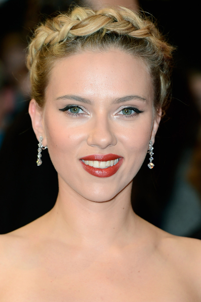 Scarlett Johansson The Avengers London premiere 2012