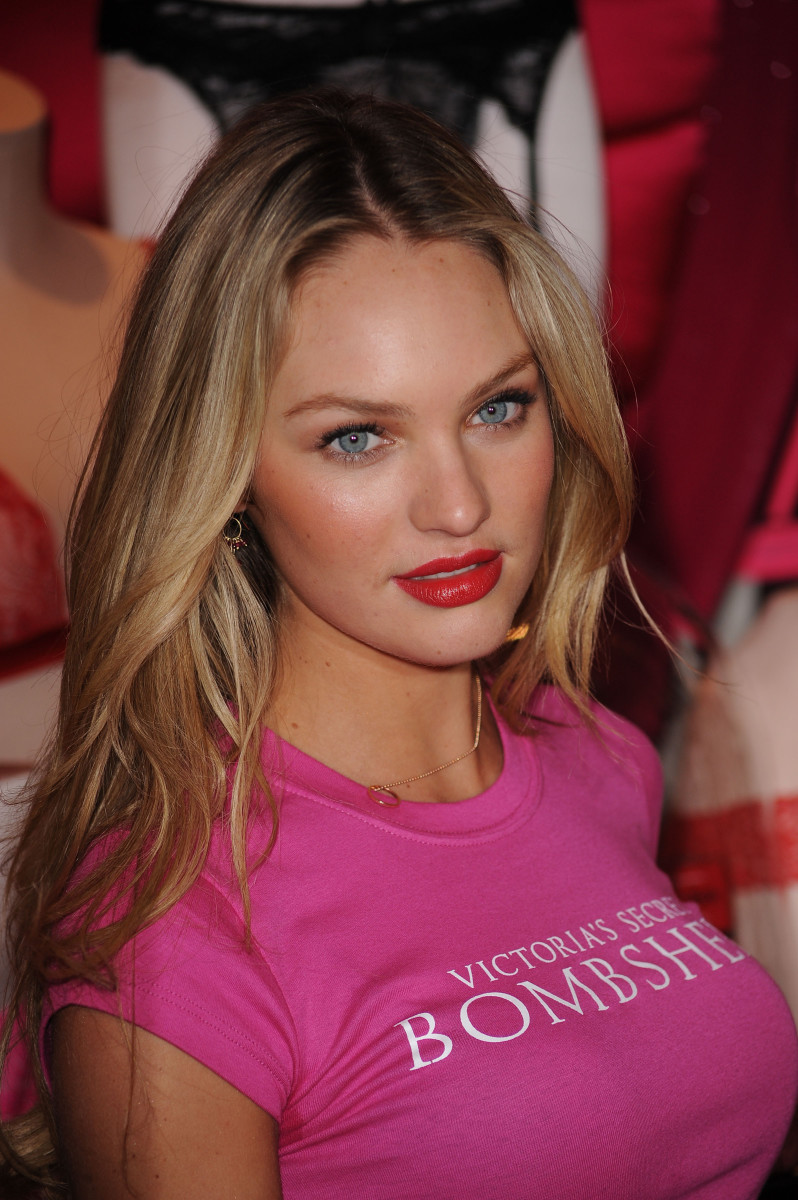 Candice Swanepoel Victoria's Secret Valentine's Day event 2010