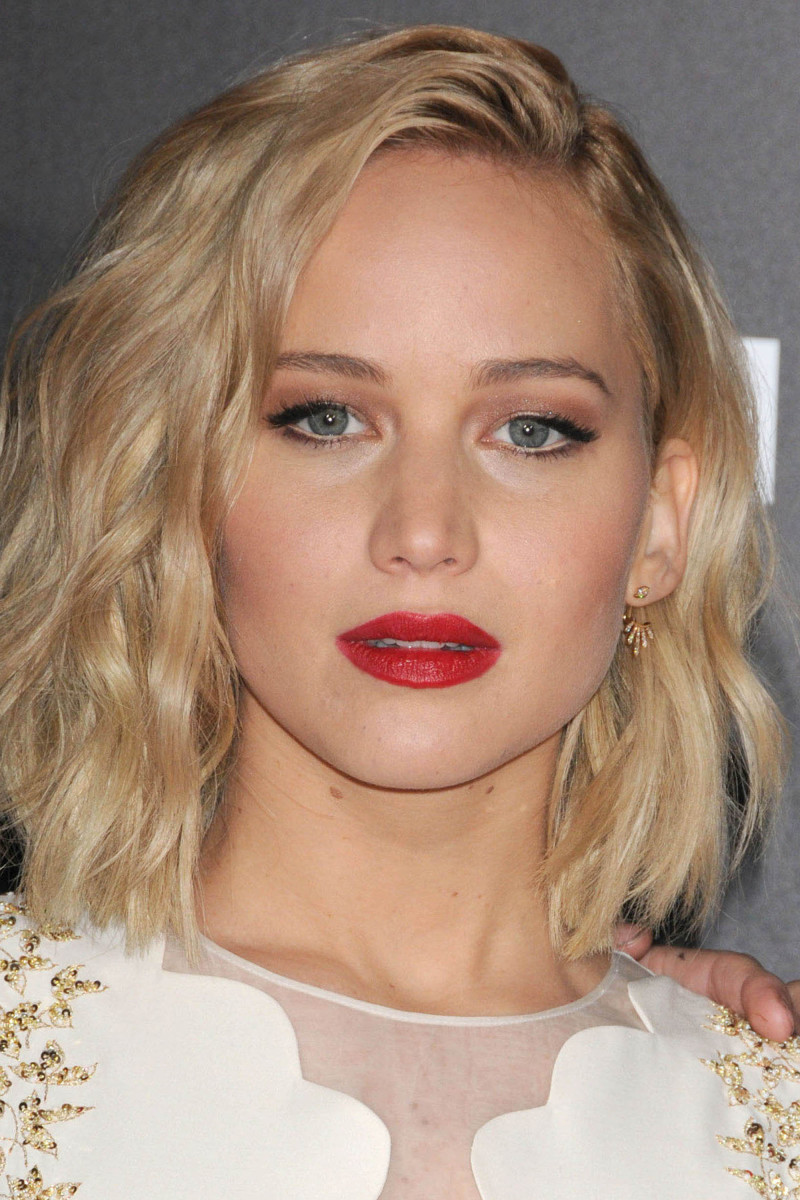 Jennifer Lawrence The Hunger Games Mockingjay Part 2 Los Angeles premiere 2015