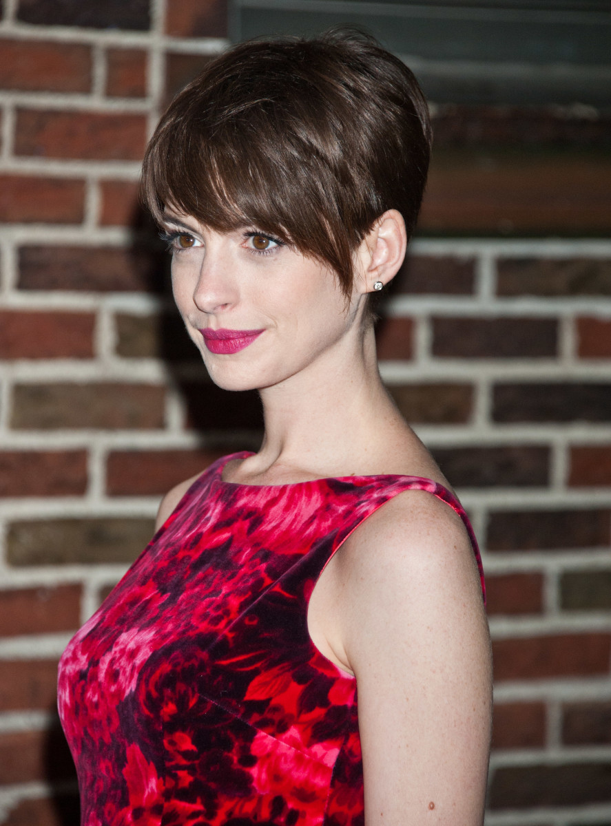 Anne Hathaway Late Show with David Letterman 2012