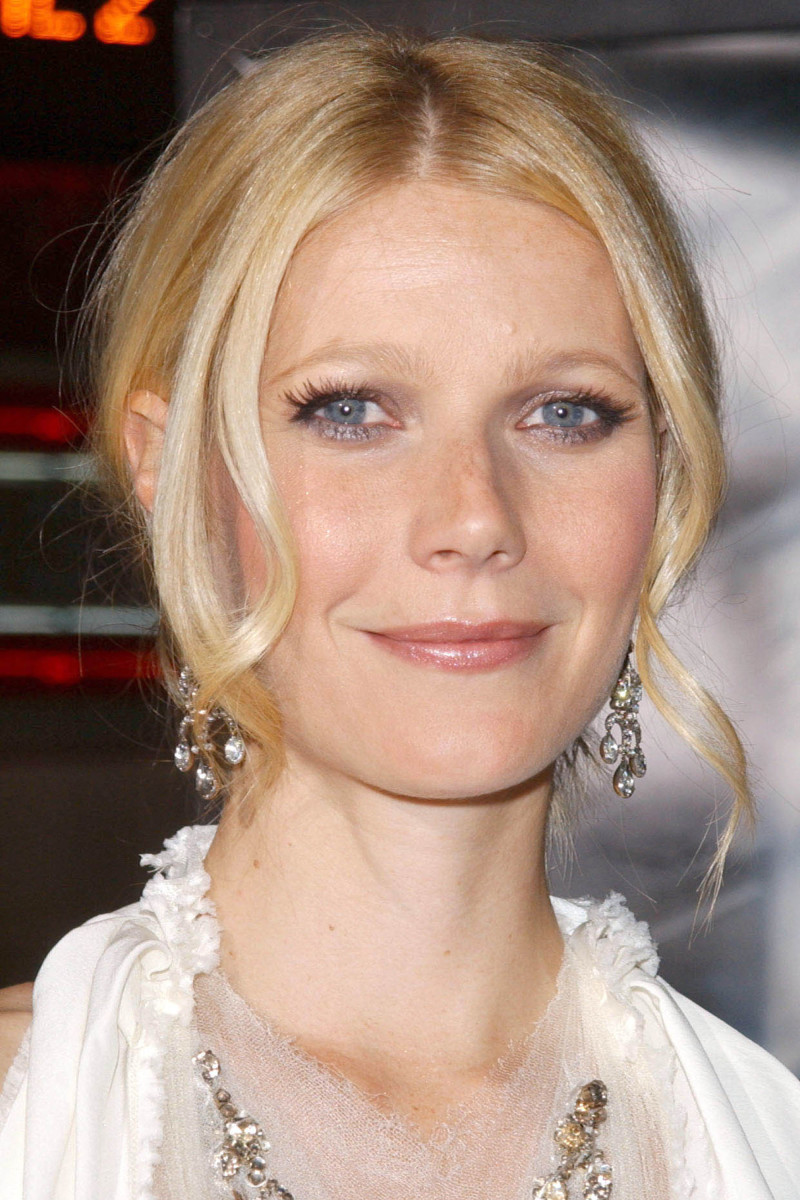Gwyneth Paltrow Sky Captain and the World of Tomorrow Los Angeles premiere 2004