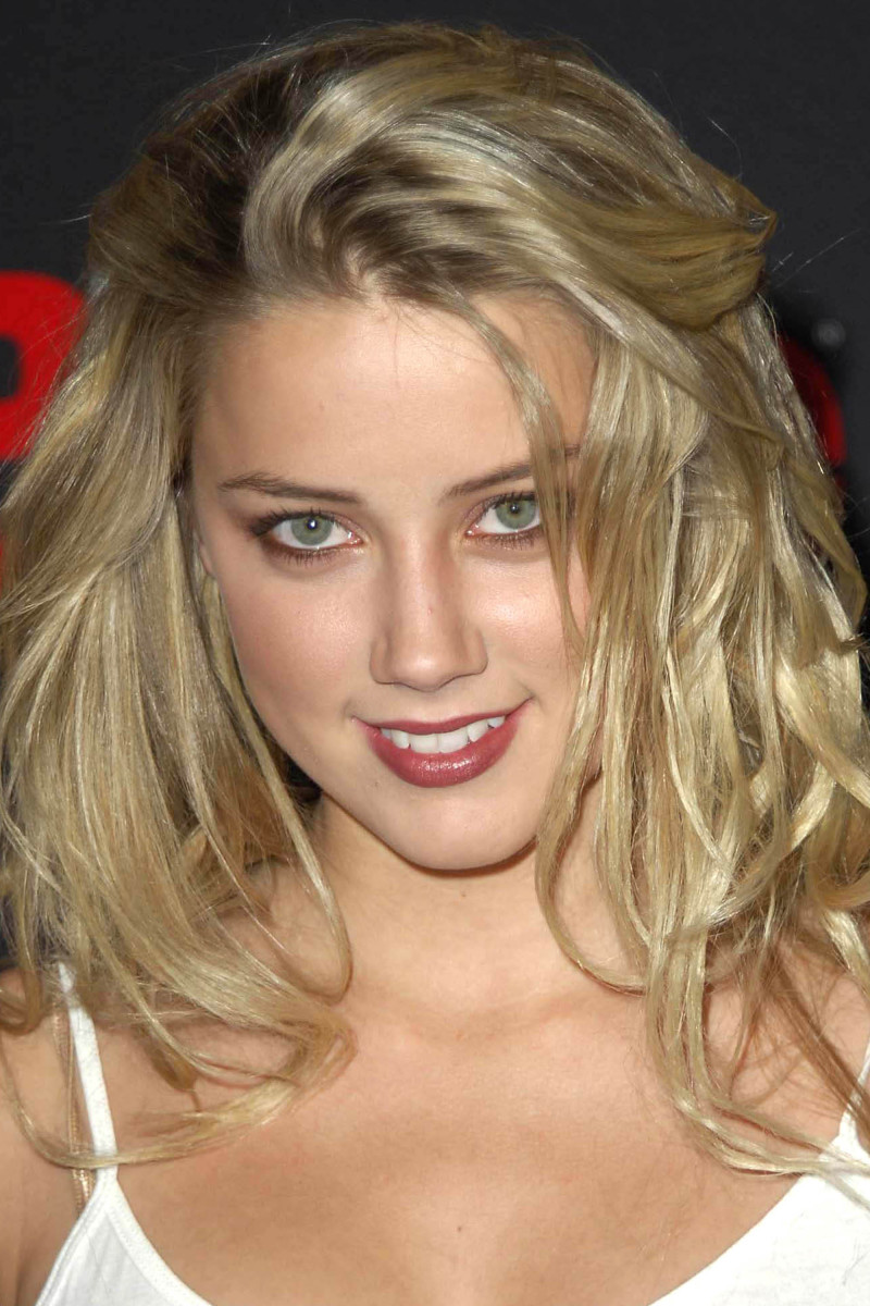 Amber Heard Teen People Artists of the Year Party 2005