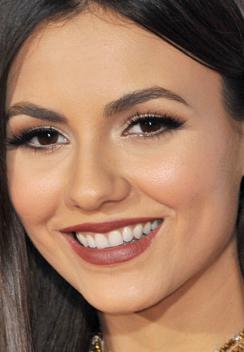 Victoria Justice People's Choice Awards 2017
