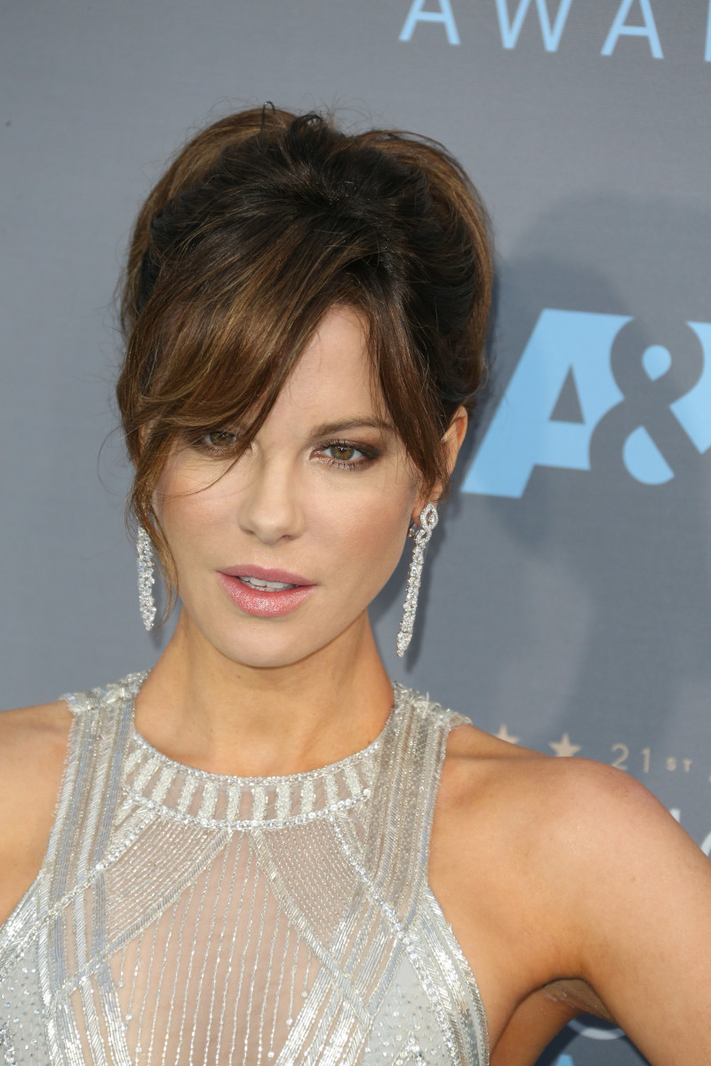Kate Beckinsale Critics' Choice Awards 2016