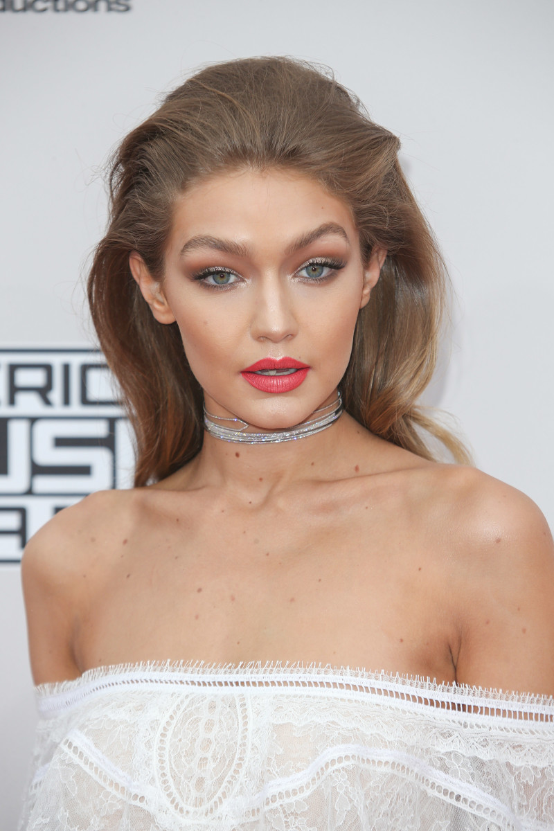 Gigi Hadid American Music Awards 2016