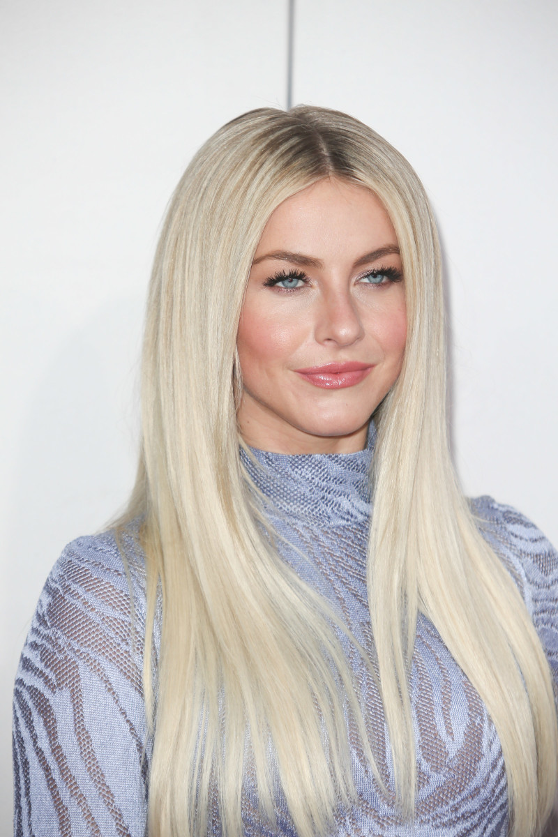 Julianne Hough American Music Awards 2016