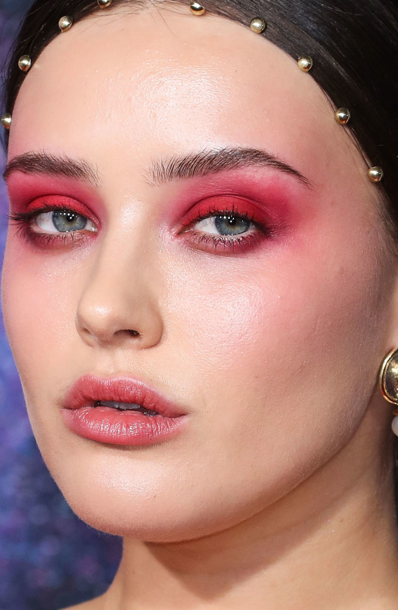 Katherine Langford American Music Awards 2019