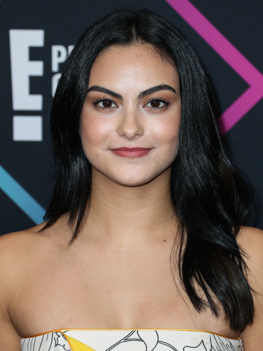 Camila Mendes People's Choice Awards 2018