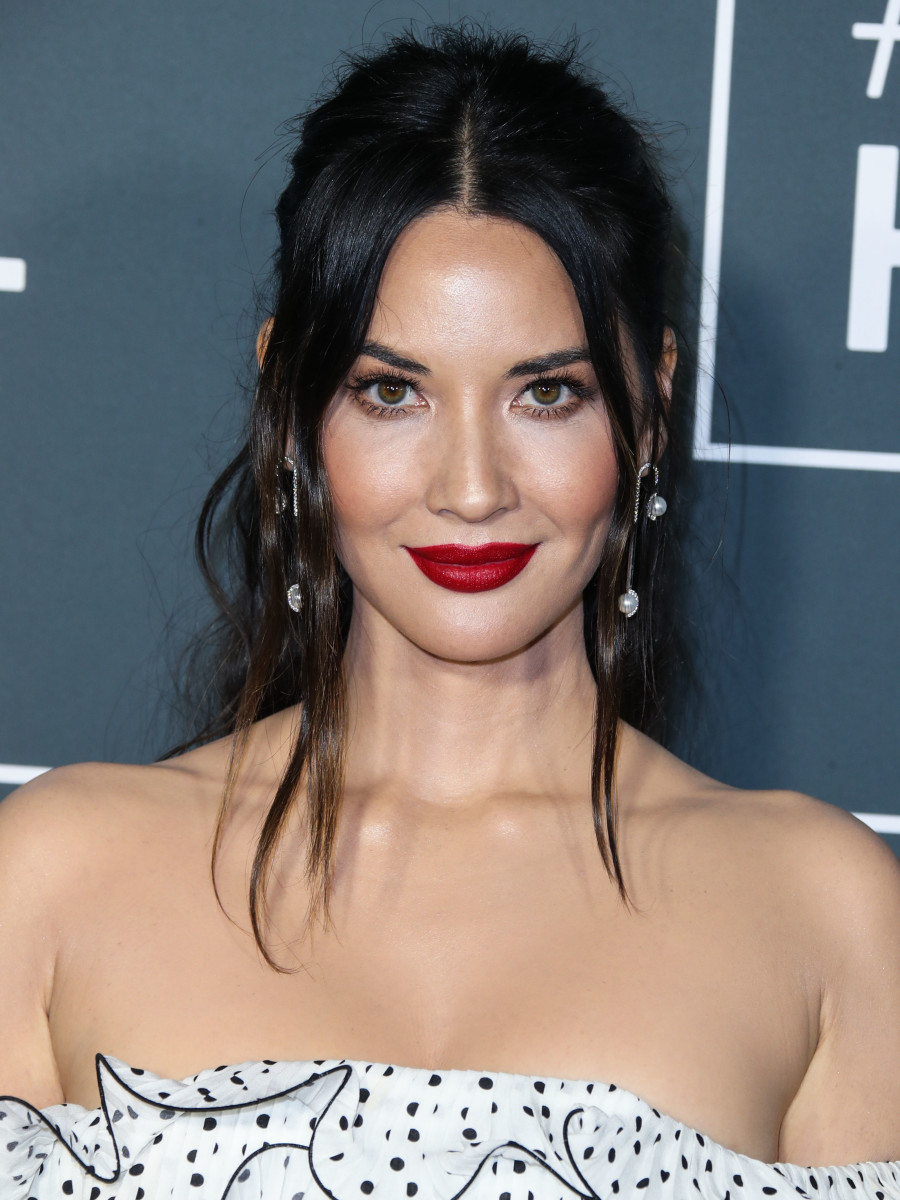 Olivia Munn Critics' Choice Awards 2019