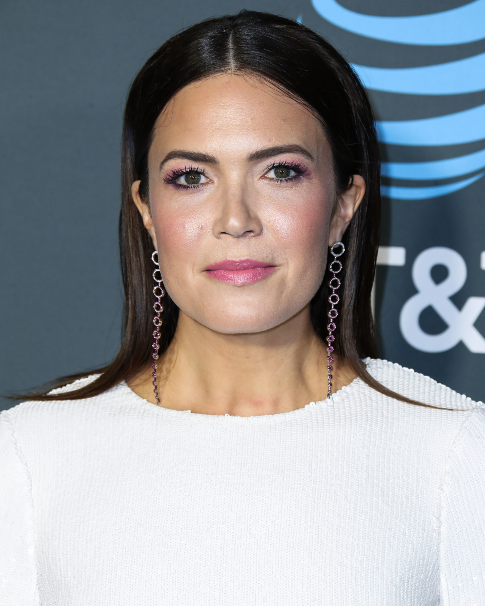 Mandy Moore Critics' Choice Awards 2019