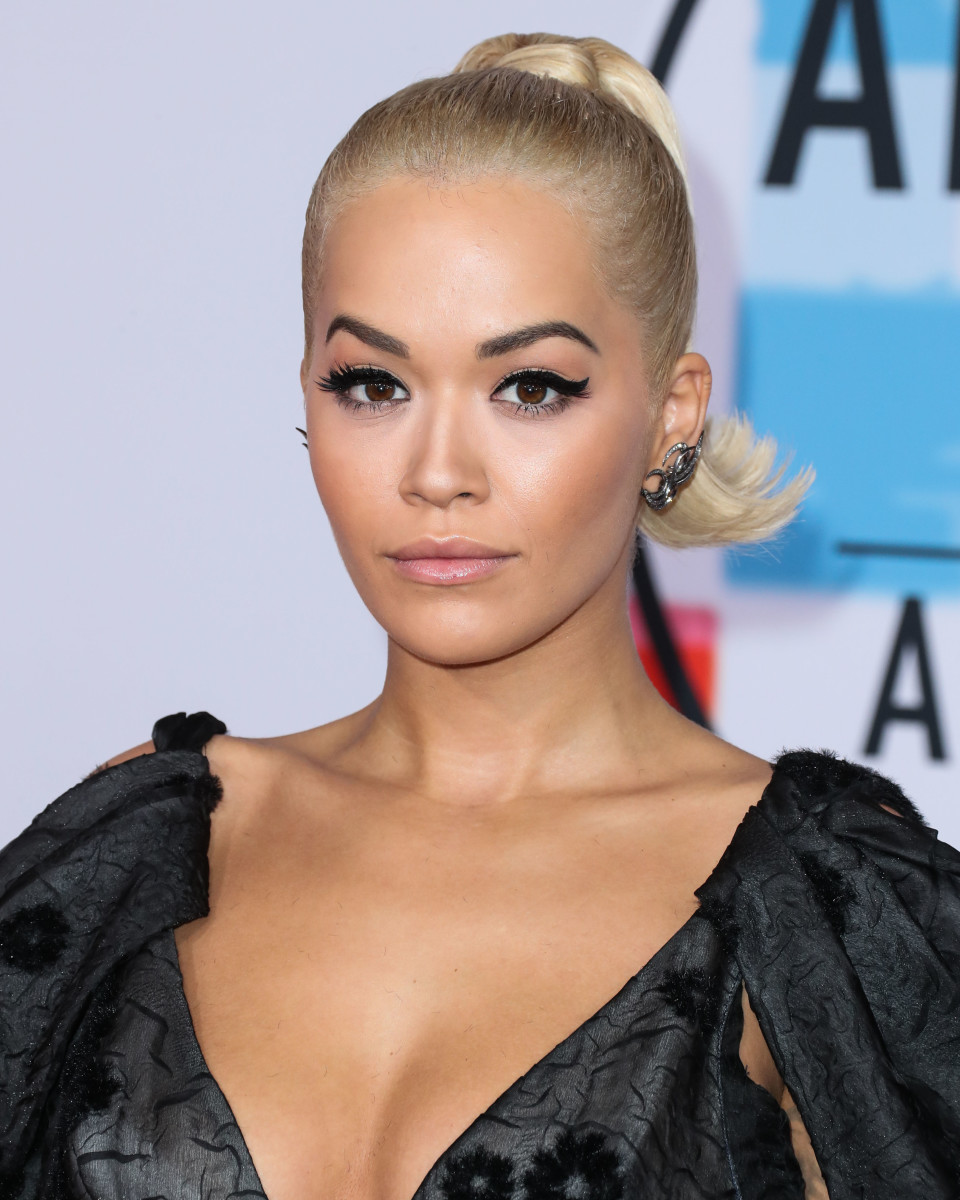 Rita Ora American Music Awards 2018