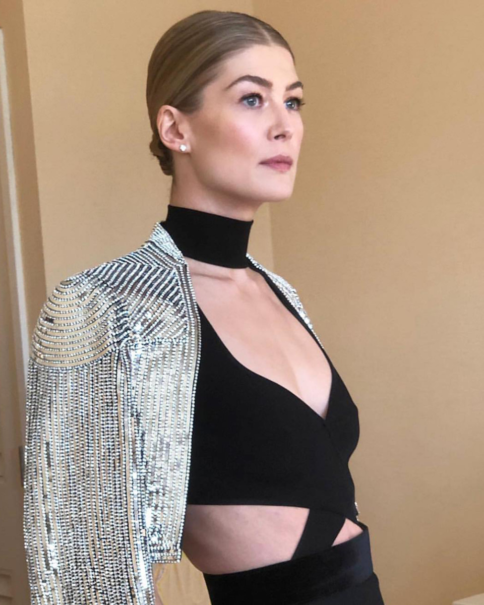 Rosamund Pike Golden Globes 2019