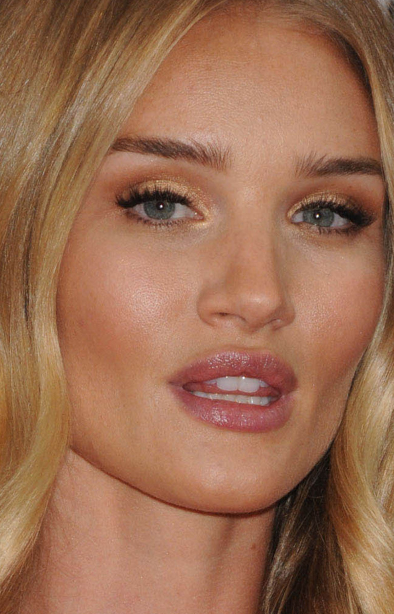 Rosie Huntington-Whiteley Golden Globes 2016