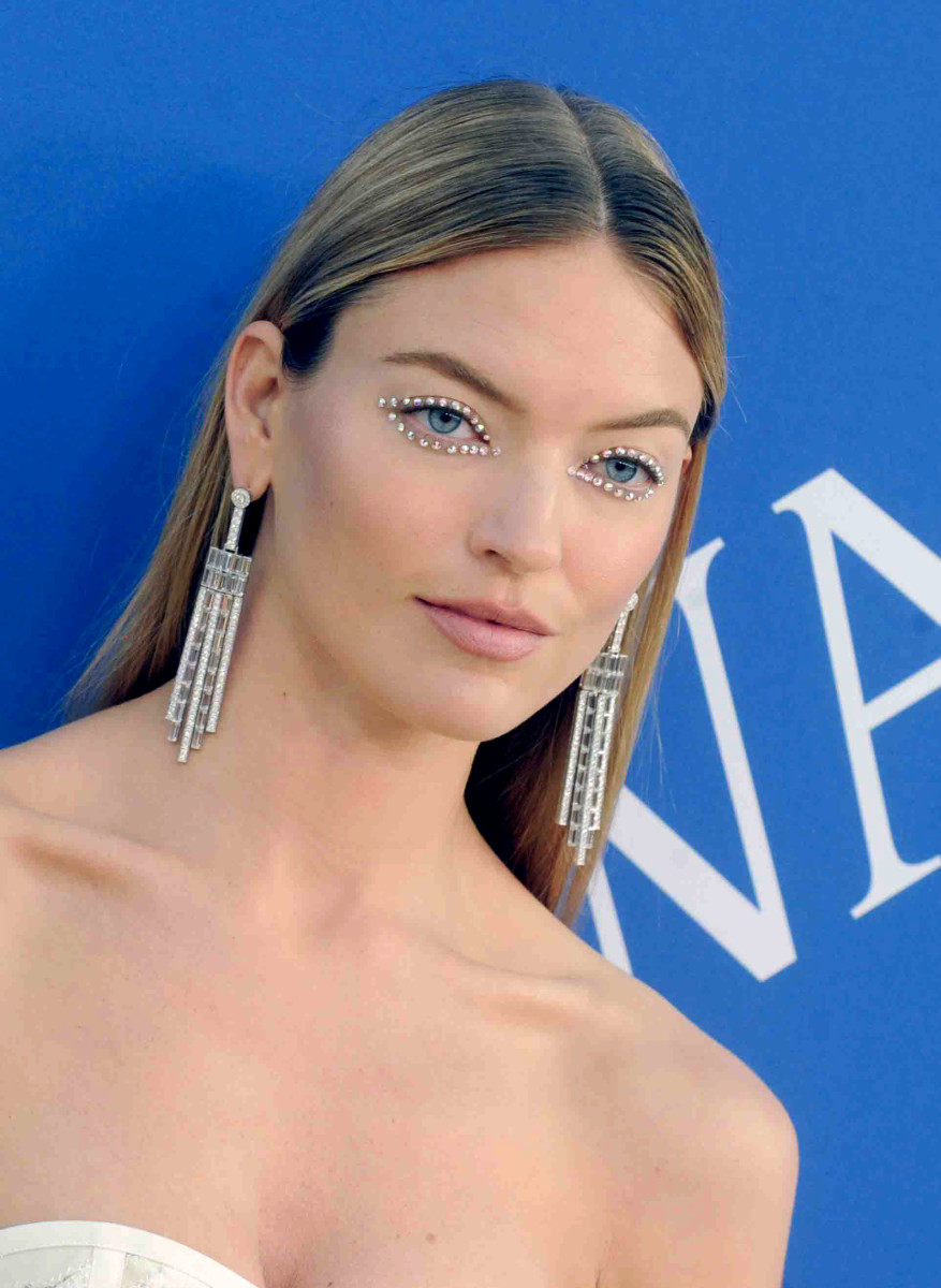 Martha Hunt CFDA Awards 2018