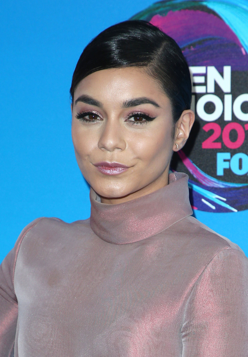 Vanessa Hudgens Teen Choice Awards 2017
