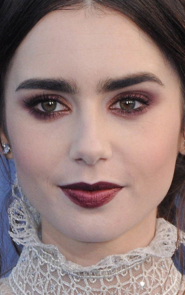 Lily Collins Critics' Choice Awards 2017