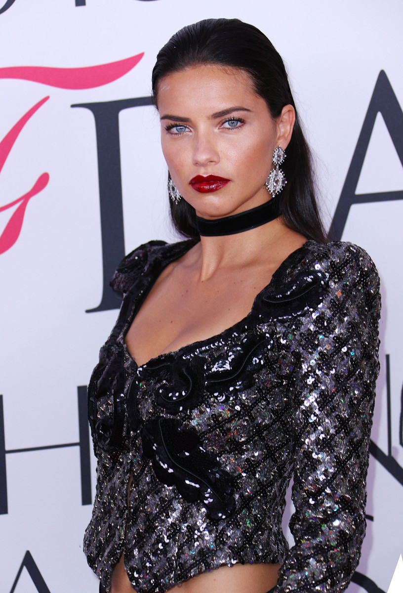 Adriana Lima CFDA Awards 2016