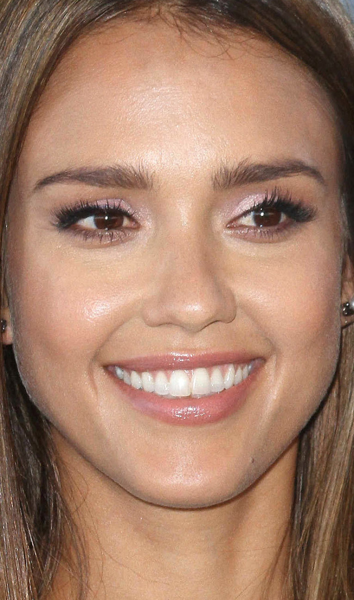 Jessica Alba Teen Choice Awards 2016