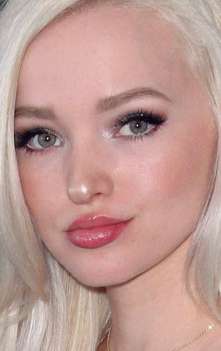 Dove Cameron Teen Choice Awards 2016