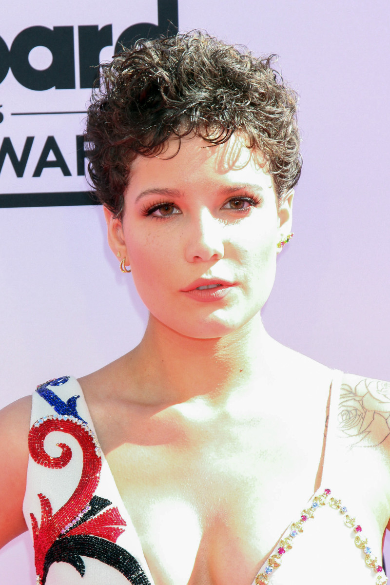 Halsey Billboard Music Awards 2016