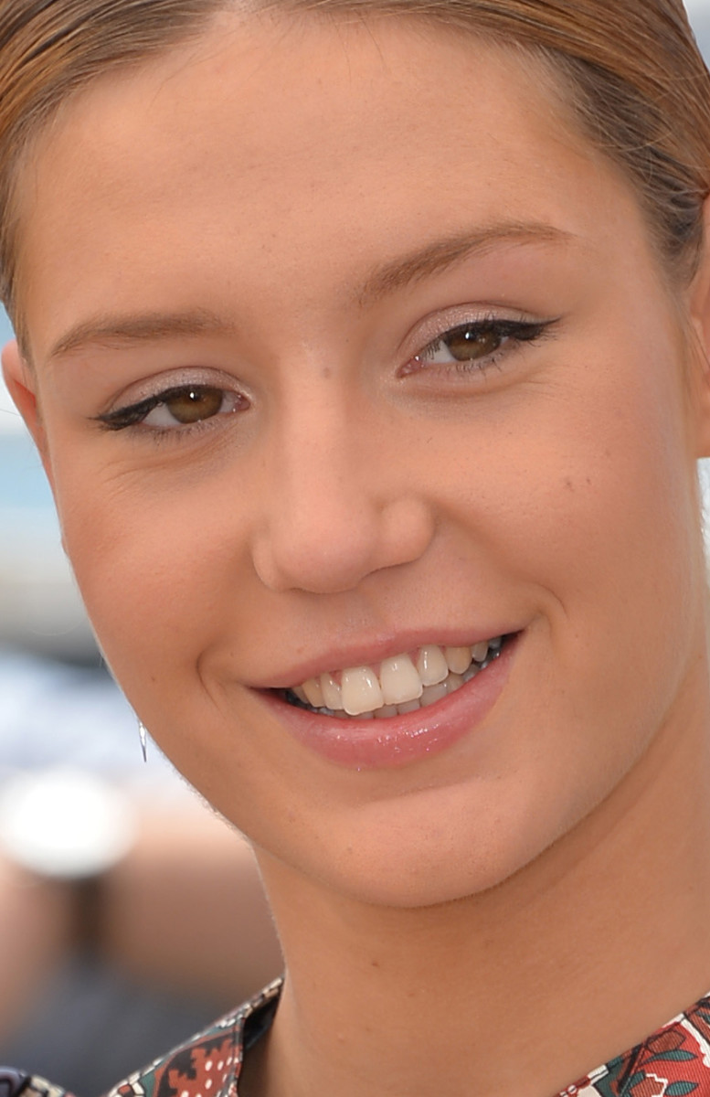 Adele Exarchopoulos The Last Face Cannes photocall 2016