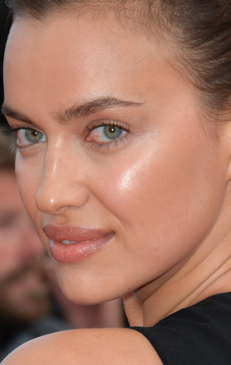 Irina Shayk The Unknown Girl Cannes premiere 2016