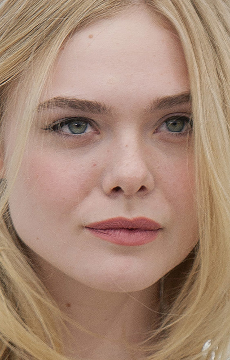 Elle Fanning The Neon Demon Cannes photocall 2016
